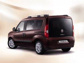 Ver foto 2 de Fiat Doblo 2010