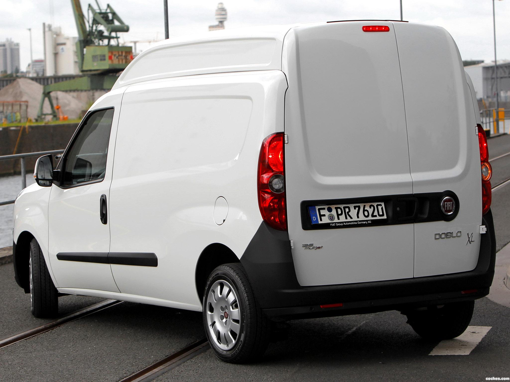 fotos de fiat doblo cargo maxi xl 2012 foto 6. Black Bedroom Furniture Sets. Home Design Ideas