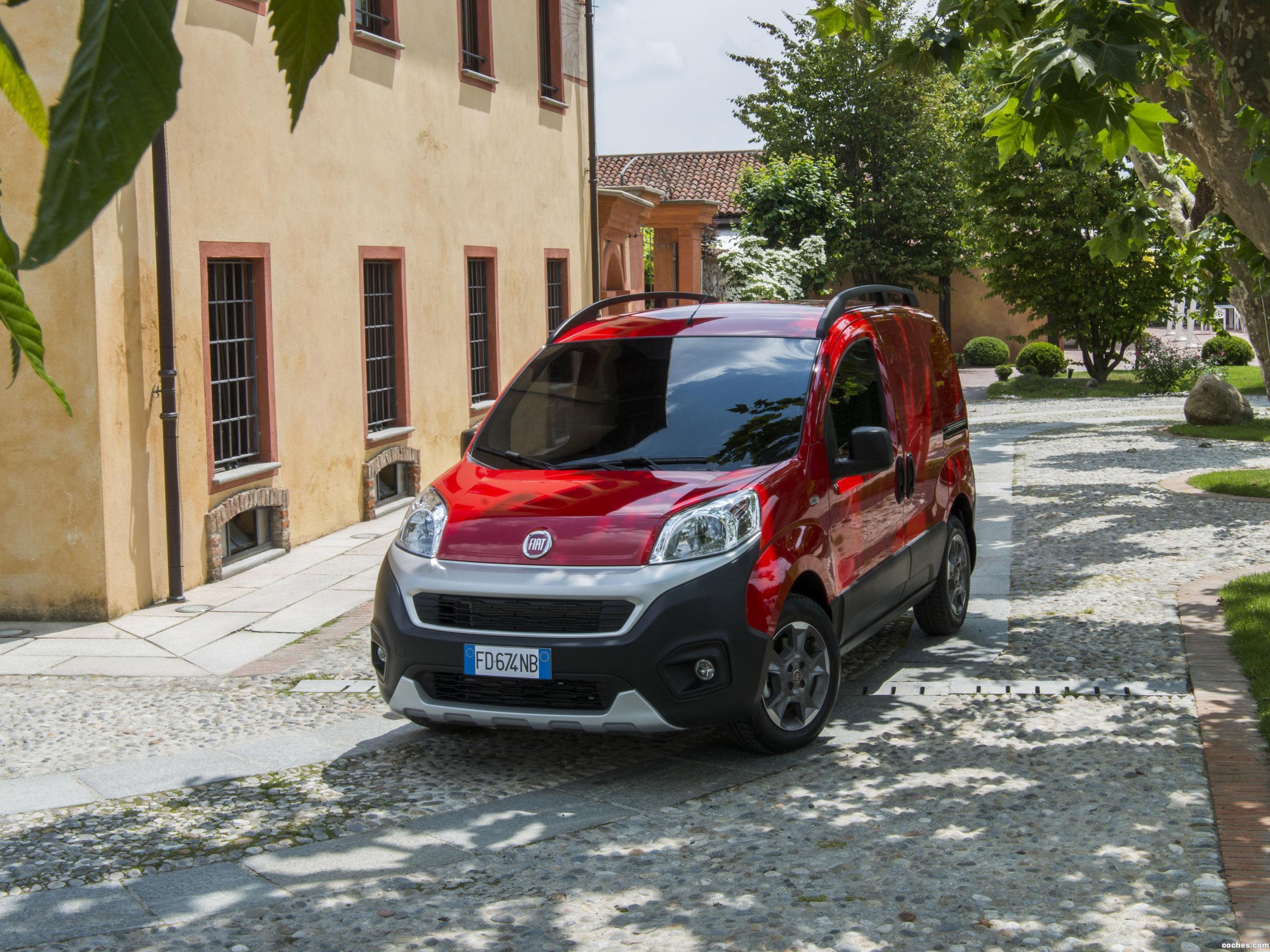 Foto 4 de Fiat Fiorino Adventure 2016