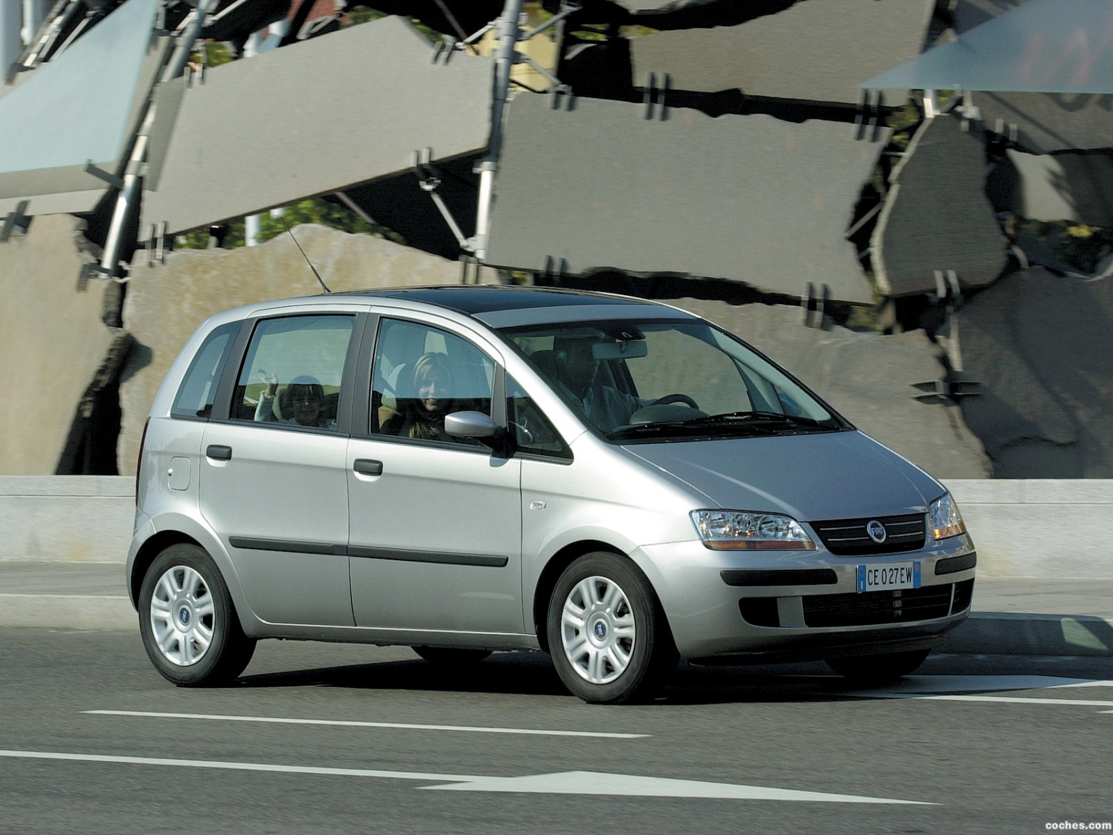 Foto 7 de Fiat Idea 2003