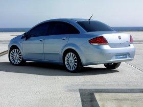 Ver foto 2 de Fiat Linea Dynamic 2007
