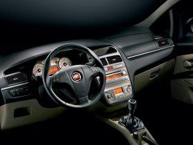 Ver foto 14 de Fiat Linea Dynamic 2007