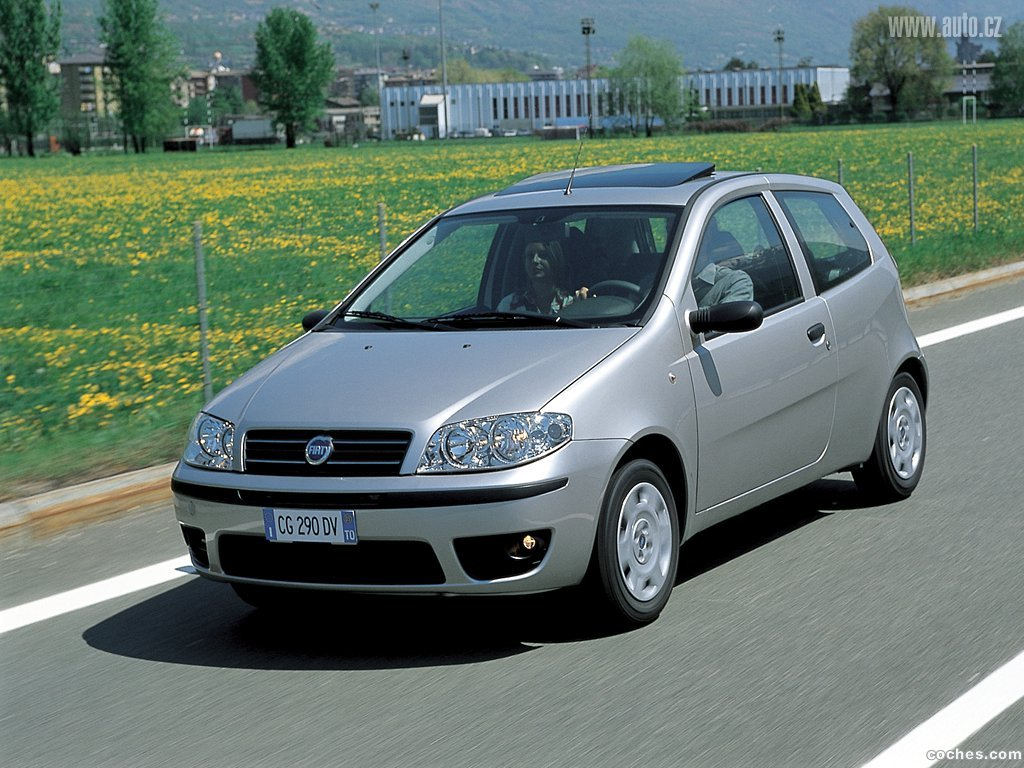 fotos de fiat punto 2003. Black Bedroom Furniture Sets. Home Design Ideas