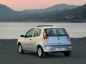 Ver foto 2 de Fiat Punto 2003