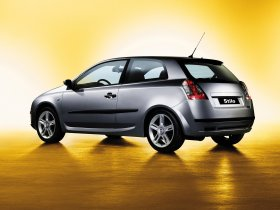 Ver foto 9 de Fiat Stilo 3 puertas 2001