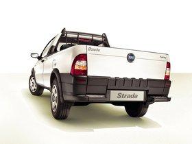Ver foto 2 de Fiat Strada 2004