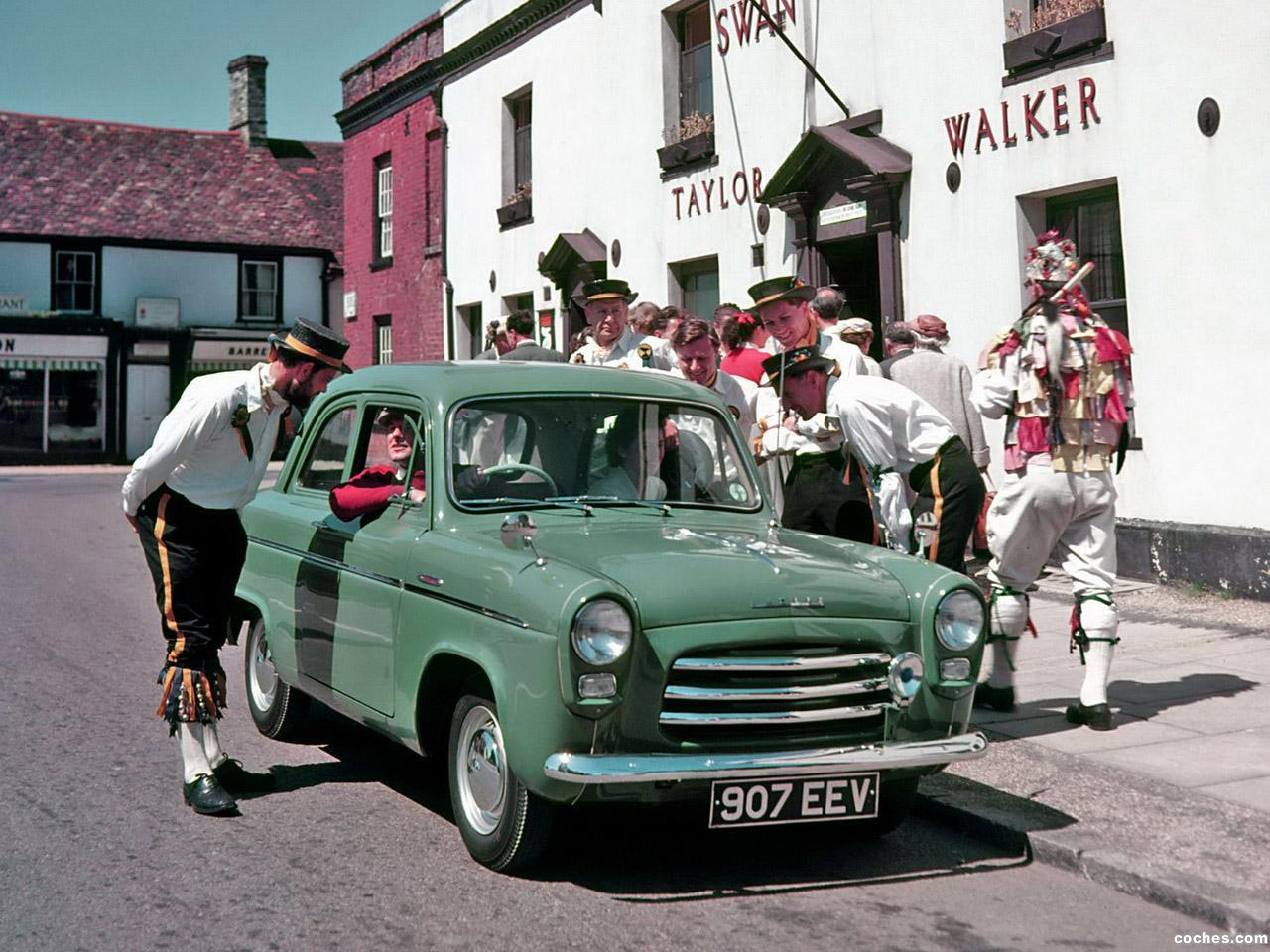 Foto 0 de Ford Anglia 100E 1953