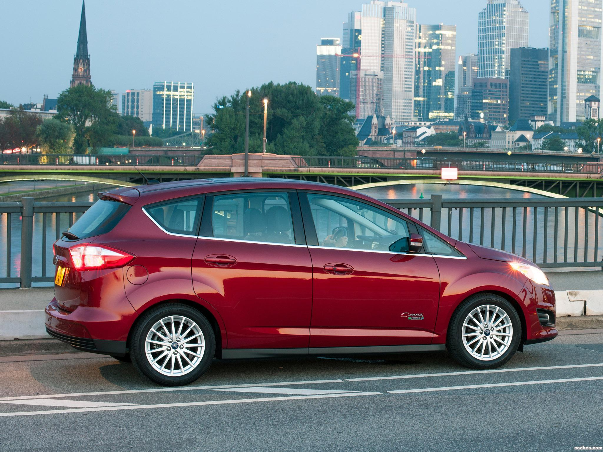 Foto 4 de Ford C-MAX Energi 2013