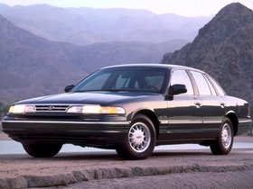 Ver foto 1 de Ford Crown Victoria 1995