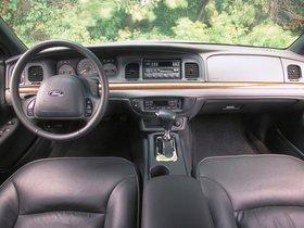 Ver foto 38 de Ford Crown Victoria 1988