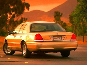 Ver foto 26 de Ford Crown Victoria 1988