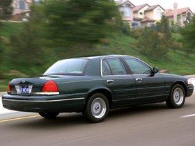 Ver foto 24 de Ford Crown Victoria 1988