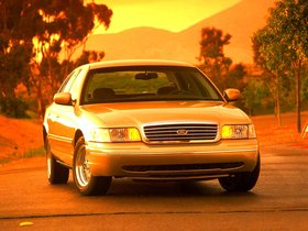 Ver foto 13 de Ford Crown Victoria 1988