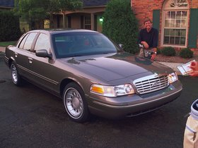 Ver foto 4 de Ford Crown Victoria 1988