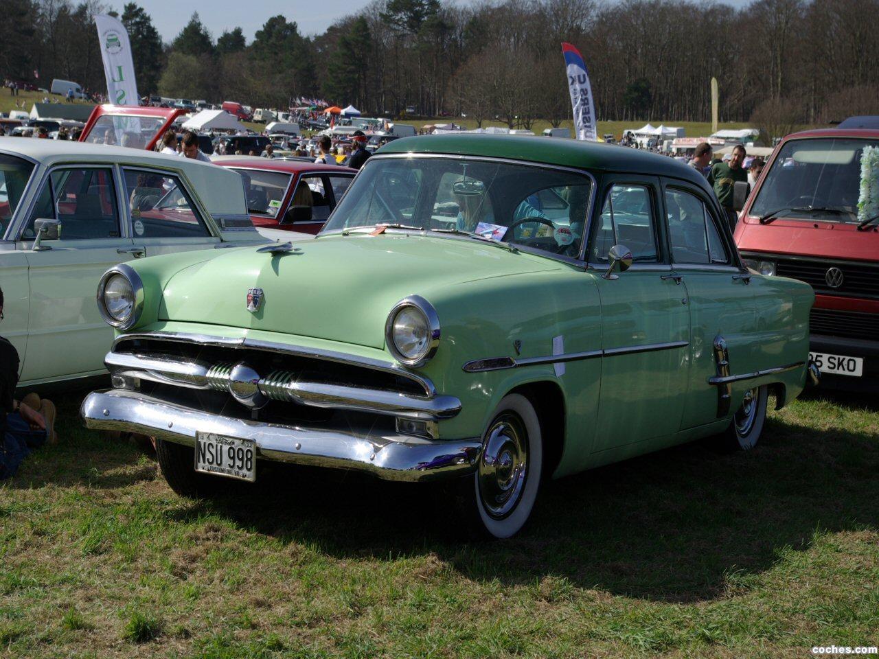 Foto 0 de Ford Customline 1952