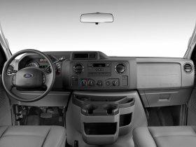 Ver foto 4 de Ford E-150 Cargo Van 2007