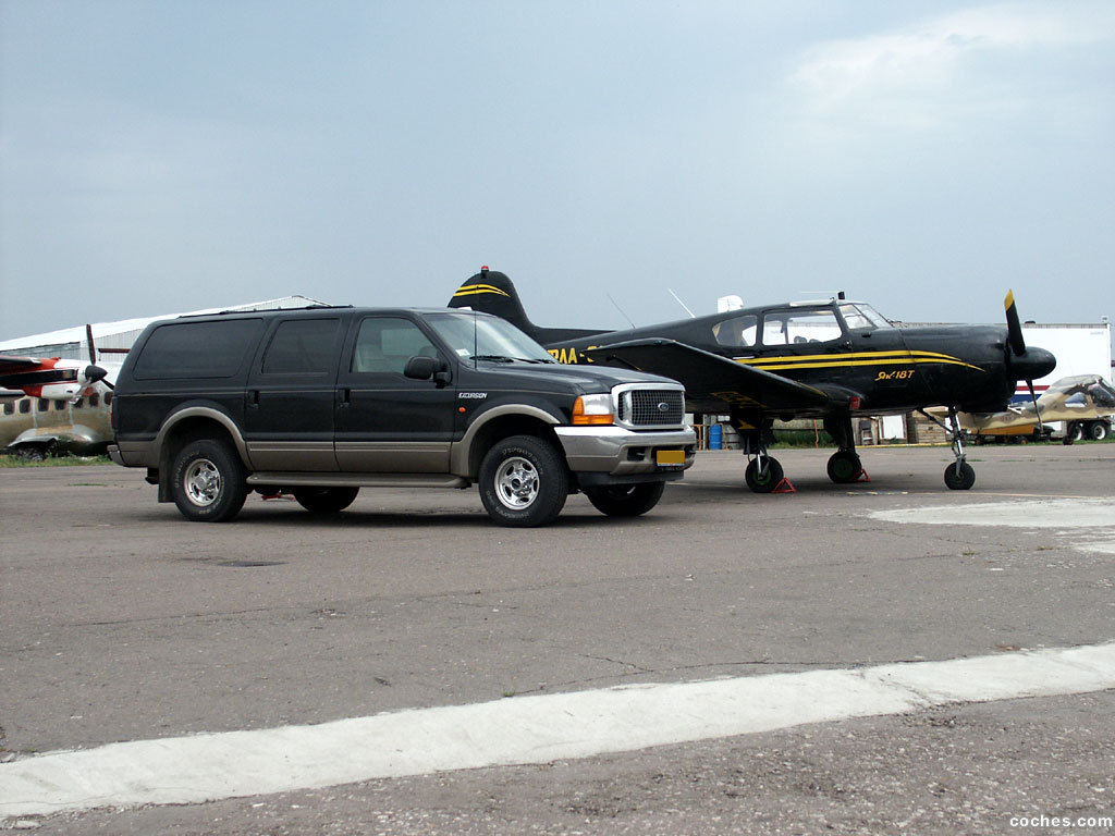 Foto 0 de Ford Excursion 2000