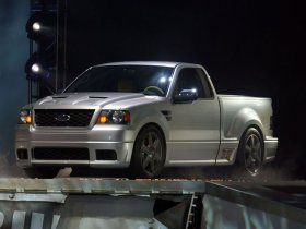 Ver foto 3 de Ford F-150 Lightning Concept 2003