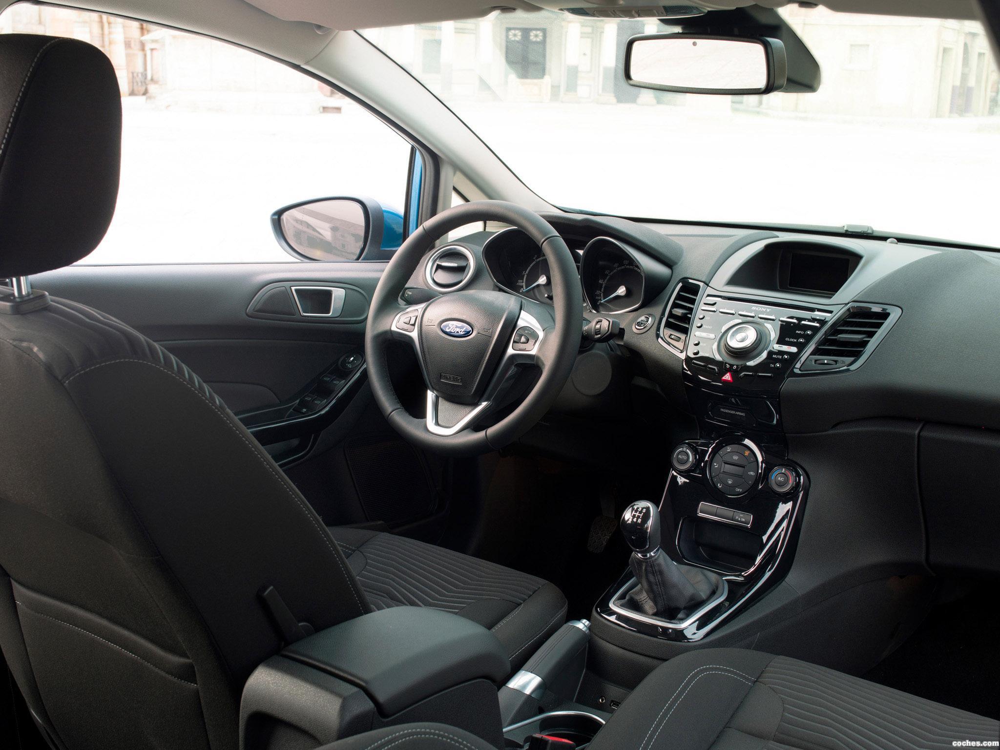 Foto 10 de Ford Fiesta 5 puertas 2013