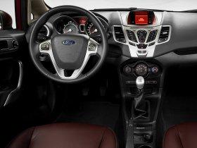 Ver foto 10 de Ford Fiesta Hatchback USA 2010