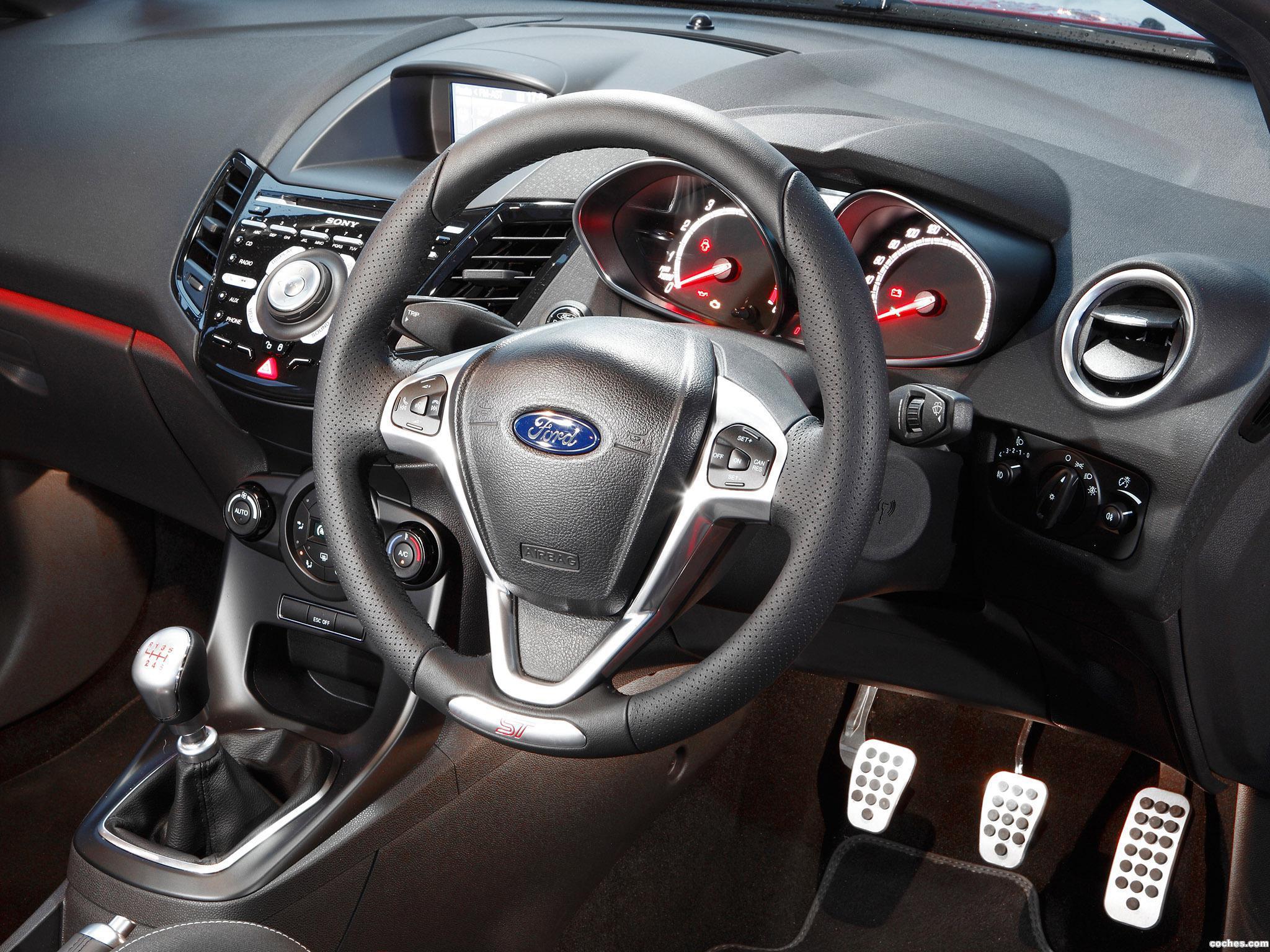 Foto 18 de Ford Fiesta ST 3 puertas Australia 2013