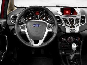 Ver foto 4 de Ford Fiesta Sedan USA 2010