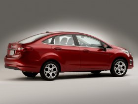 Ver foto 2 de Ford Fiesta Sedan USA 2010