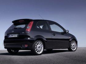 Ver foto 2 de Ford Fiesta Sport 2005