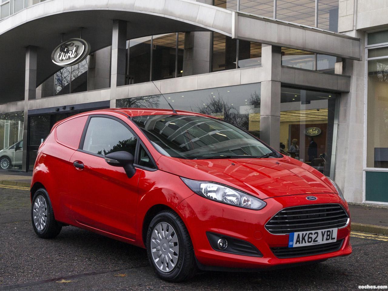 Foto 0 de Ford Fiesta Van UK 2012