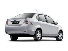 Ver foto 2 de Ford FiestaMax Sedan 2010