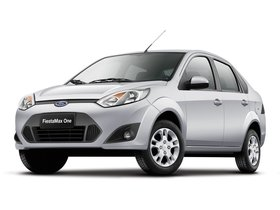 Fotos de Ford FiestaMax Sedan 2010