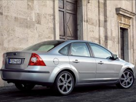 Ver foto 4 de Ford Focus Sedan 2005