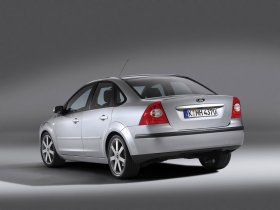 Ver foto 2 de Ford Focus Sedan 2005