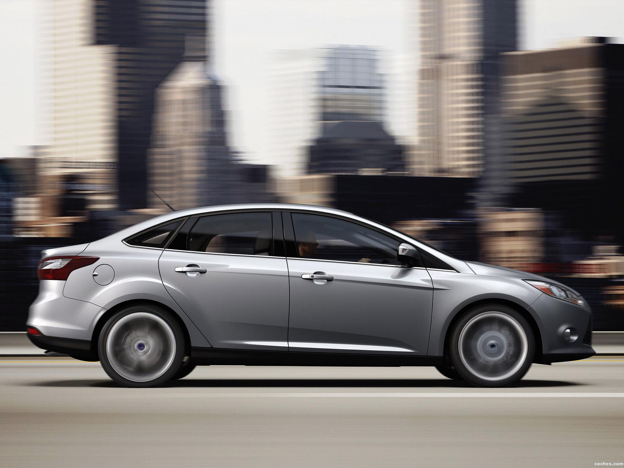 Foto 5 de Ford Focus Sedan USA 2010