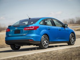 Ver foto 2 de Ford Focus Sedan USA 2014