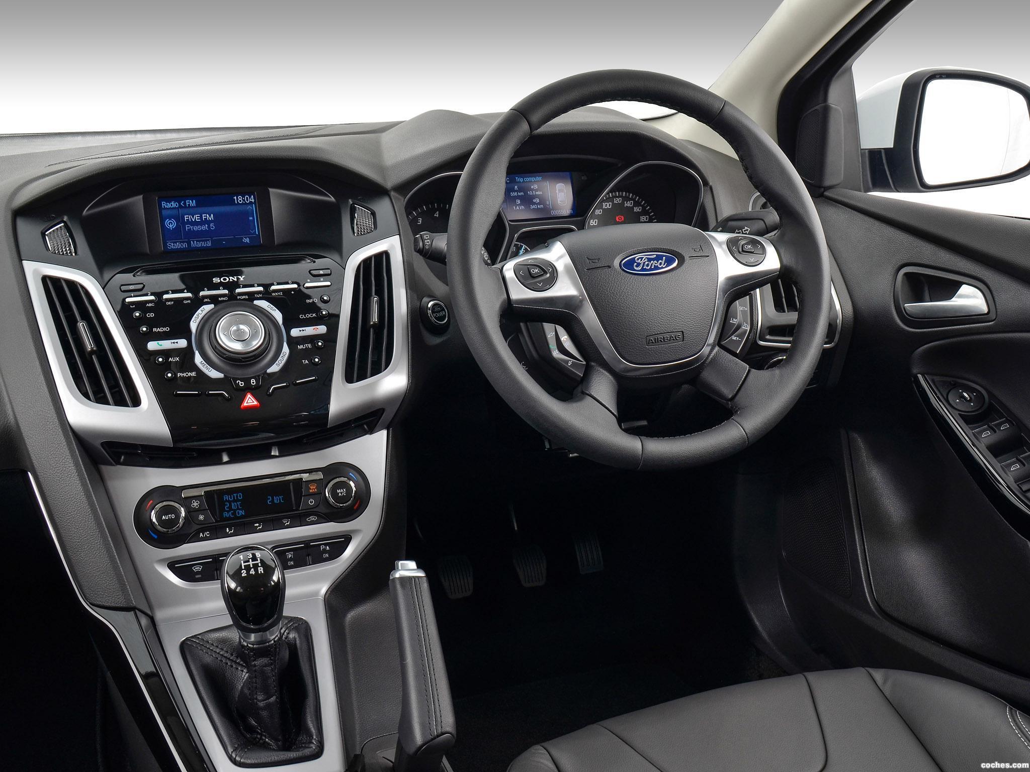 Foto 9 de Ford Focus Sport 2014