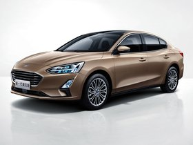 Ver foto 1 de Ford Focus Titanium Sedan China 2018
