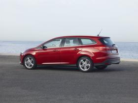 Ver foto 2 de Ford Focus Sportbreak 2014