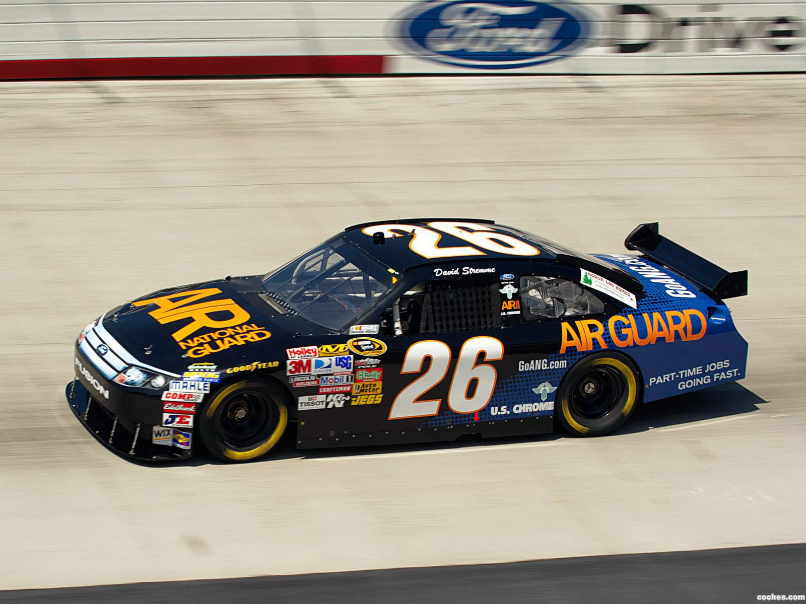 Foto 12 de Ford Fusion NASCAR Sprint Cup Series Race Car 2012