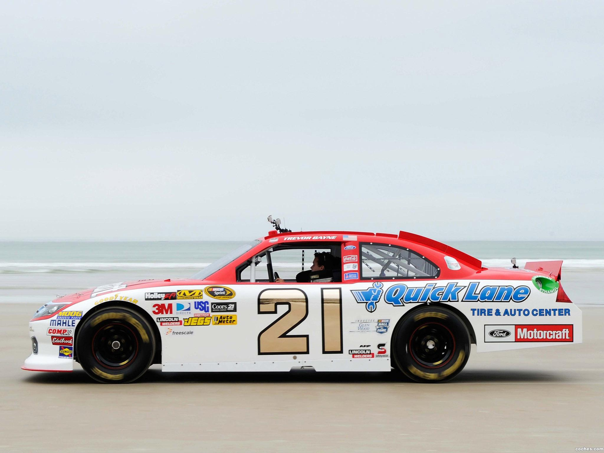 Foto 10 de Ford Fusion NASCAR Sprint Cup Series Race Car 2012
