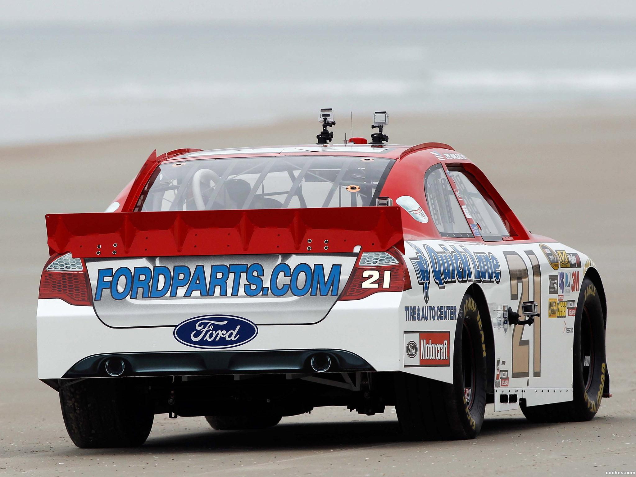 Foto 9 de Ford Fusion NASCAR Sprint Cup Series Race Car 2012