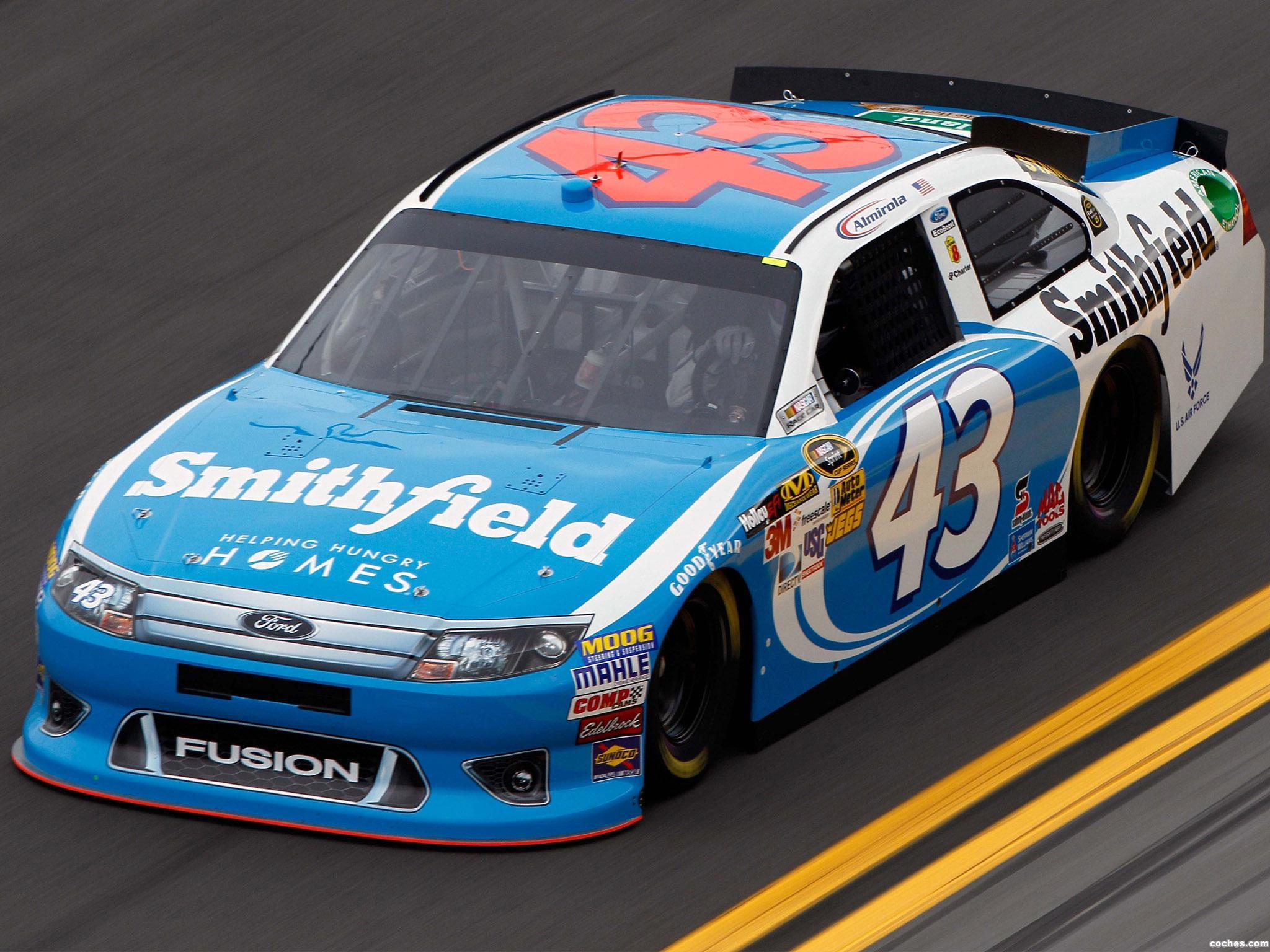 Foto 3 de Ford Fusion NASCAR Sprint Cup Series Race Car 2012