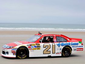 Ver foto 9 de Ford Fusion NASCAR Sprint Cup Series Race Car 2012