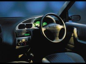 Ver foto 6 de Ford Ikon 2000