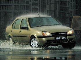 Fotos de Ford Ikon 2000