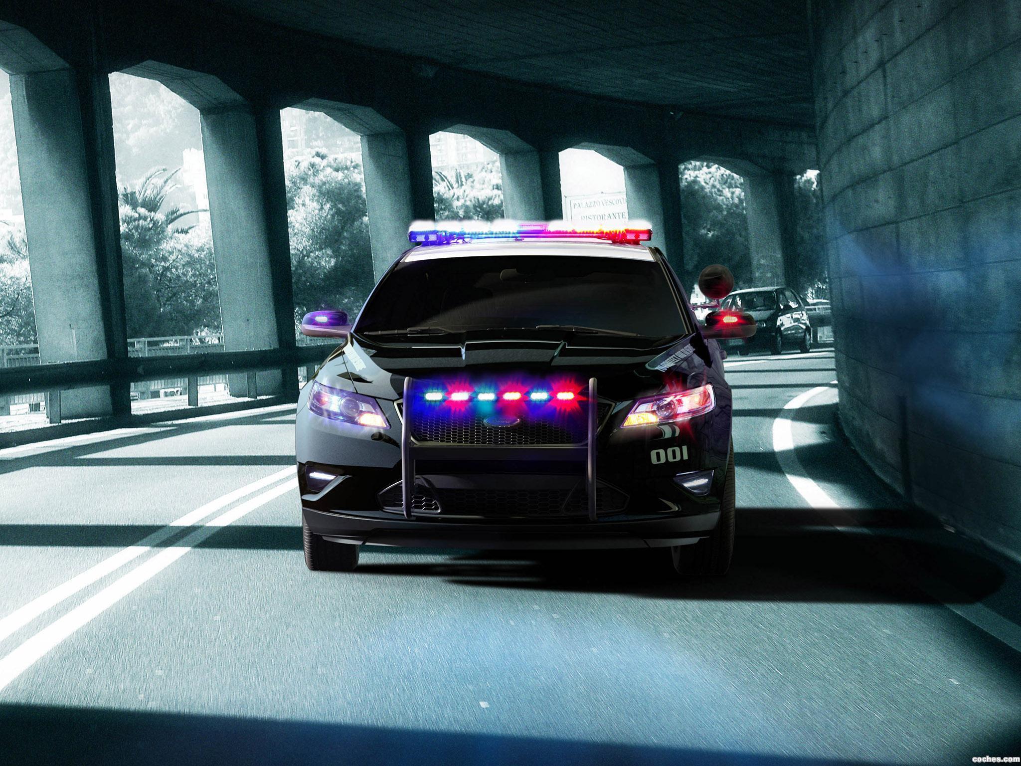 Foto 1 de Ford Interceptor Police Concept 2010