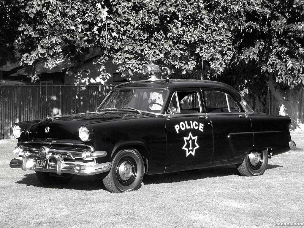Foto 0 de Ford Mainline Sedan 4 puertas Police 73A 1954