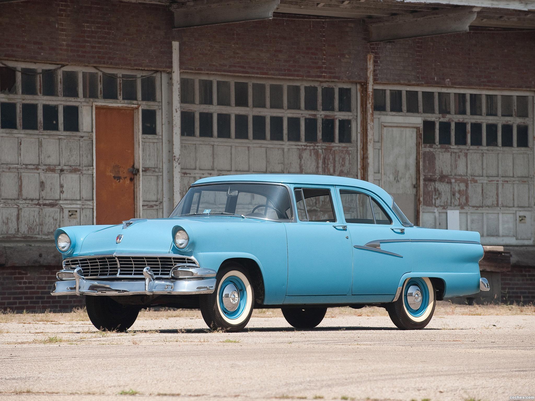 Foto 0 de Ford Mainline Sedan 4 puertas 1956