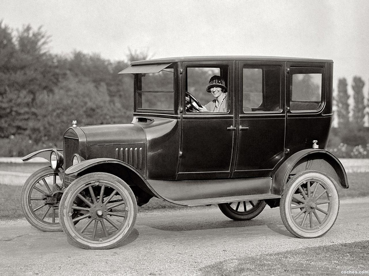 Foto 0 de Ford Model T 4 Door Sedan 1924
