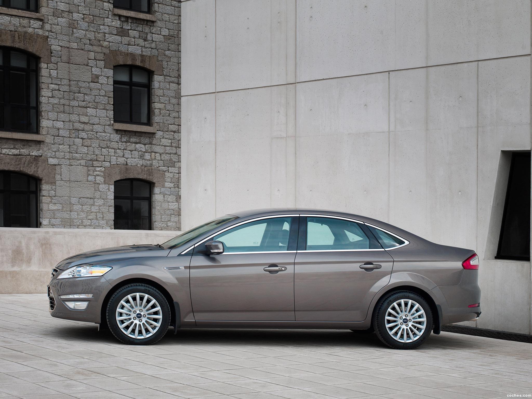 Foto 1 de Ford Mondeo 4 puertas 2010